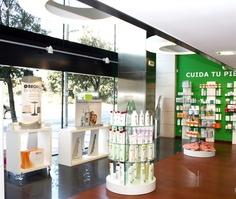 Farmacia Elena Villot Pamplona  Últimos proyectos realizados. Líder en diseño y #reforma de #farmacias. Apotheka #Design