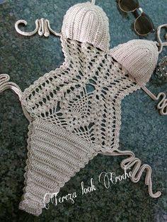 body croche parte 1 nice but needs to cover the bottom! Crochet Lingerie, Crochet Bra, Crochet Bikini Pattern, Crochet Bikini Top, Crochet Shorts, Cute Crochet, Crochet Clothes, Crochet Stitches, Arm Knitting