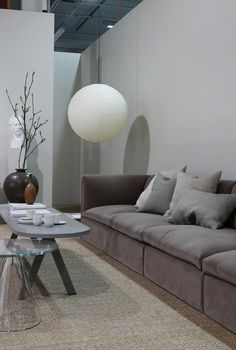 The trend exhibition Contrasts at SFF by Lotta Agaton shows reflections of the time we live in and inspirates to play with materials, colors and textures. Scandinavian Home, Beautiful Homes, Sofas, Couch, Living Room, Wood, Interior, Europe, Decorating