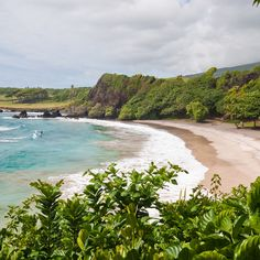 Sandy, sheltered and dripping in palms, @afarmedia calls Hamoa Beach in #Maui one of the world's most remote and beautiful places.