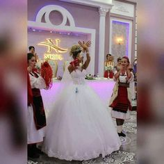 Albanische Nuse Albanian Wedding, Albanian Culture, Ever After, Formal Dresses, Wedding Dresses, Marie, Beautiful People, Flower Girl Dresses, Gowns