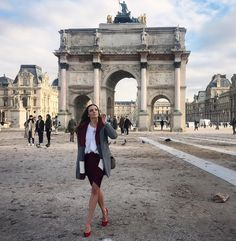 Paris & Chic & Stylish 👌 ❤️❤️❤️ with San Remo blouse Paris Chic, Louvre, Mint, Street Style, Photo And Video, Stylish, Travel, Image, Style Fashion