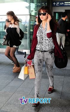 http://okpopgirls.rebzombie.com/wp-content/uploads/2013/03/SNSD-Seohyun-airport-fashion-March-11-02.jpg