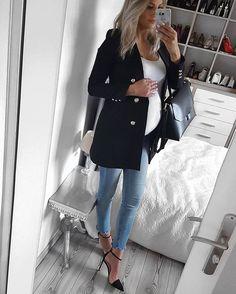 Ideas For Style Jeans Shirt Wardrobes Cute Maternity Outfits, Stylish Maternity, Maternity Wear, Maternity Clothing, Maternity Styles, Maternity Shops, Estilo Baby Bump, Fashion Maman, Mantel Vintage