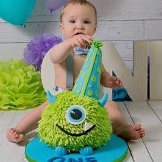 Cake smash, monster cake. Birthday boy, 1st Birthday