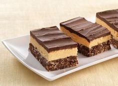 Get this delicious REESE Peanut Butter Nanaimo Bar Recipe and share with family and friends from HERSHEY'S Kitchens.ca!