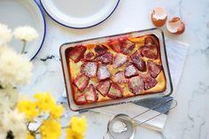 Food Stories #8: Κλαφουτί με φράουλες -Ένα θεϊκό γλυκό με υφή ανάμεσα σε σουφλέ και κέικ French Toast, Cheesecake, Breakfast, Food, Morning Coffee, Cheesecakes, Essen, Meals, Yemek