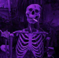 Violet Aesthetic, Dark Purple Aesthetic, Lavender Aesthetic, Aesthetic Colors, Aesthetic Art, Purple Wallpaper Iphone, Neon Wallpaper, Aesthetic Pastel Wallpaper, Aesthetic Wallpapers