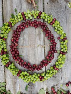 Wreaths, Home Decor, Ideas, Door Wreaths, Deco Mesh Wreaths, Interior Design, Home Interior Design, Floral Wreath, Home Decoration