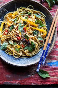 This 15 minute Bangkok peanut mango pasta is on the menu for tonight!