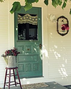 {cottage entry}