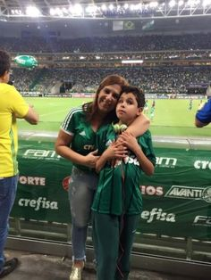 This Brazilian Mom Narrating Football Matches To Her Blind Son Is Setting Some Serious 'Mom Goals' What Team, Div Style, Border Top, Broken Words, Word Wrap, Football Match, Neymar, Sports News, Colorful Backgrounds