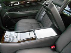 2012 Hyundai Equus - Rear center console with refrigerator