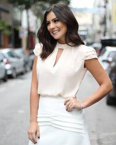 {Summer Wishes} Details! White Chic, Business Attire, Classy Women, My Wardrobe, Minimalist Fashion, Dress Making, White Dress, Ruffle Blouse, Boxy Top
