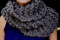 Inspiration only: Barley Yarn Lion's Brand Thick and Quick?Hand Knit Outlander Inspired Claire's Cowl in Barley Brown, Chunky Knit, Infinity Scarf,