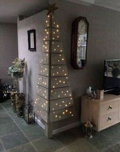 Corner Pallet Tree with Lights...these are the BEST DIY Christmas Decorations & Craft Ideas!