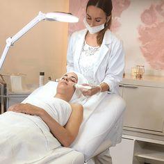 Spa Facial, Facial Room, Medical Esthetician, Spa Room Decor, Esthetics Room, Beauty Clinic, Skin Care Clinic, Beauty Salon Interior, Beauty Studio