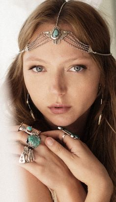 Turquoise chain crown
