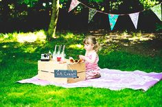 √A Styled Ice Cream Photoshoot. Toddler and Child Photography. Birthday Photography, Toddler Photography, Newborn Photography, Photography Tips, Mini Sessions, Photo Sessions, Lily Pictures, Toddler Photos, Children And Family