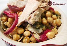 Receta de ensalada de garbanzos con ventresca Legumes Recipe, Pitted Olives, Chickpea Salad, Stuffed Green Peppers, Fish And Seafood, Fish Recipes, Tuna, Stew, Tasty