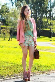 Florals & Pastel