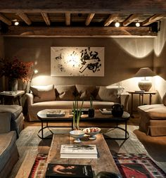 2 tones too dark but lovely feeling and textures, natural Chalet Interior, Interior Design Living Room, Home Living Room, Living Room Decor, Apartment Guide, Living Furniture, Beautiful Interiors, House Design, Chalet Design