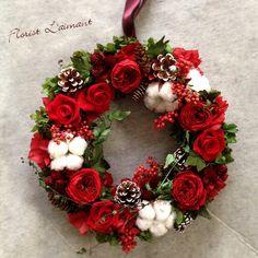 Christmas wreath | 深紅のプリザーブドフラワーローズが印象的な大人のクリスマスリース