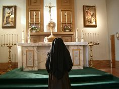 Ten Practical Prayer Tips from the Carmelite Sisters