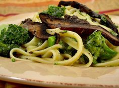 Fettuccine No-Fredo with Broccoli and Sautéed Mushrooms