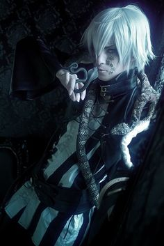Snake black butler cosplayer