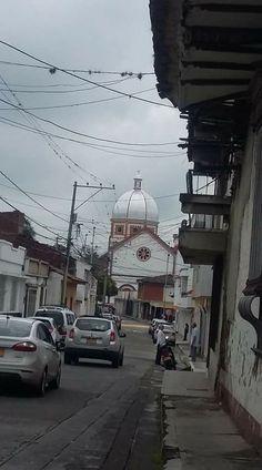 Barrio LA MERCED. Carrera 17 calle 4. Fotografia Juan Pablo Lozano. Buga