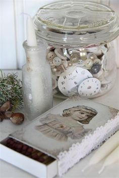 Buttons, jars and watch faces; three of my obsessions.
