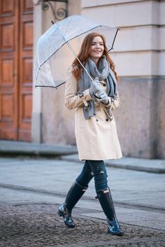 Rainy Day Outfit Ideas Collection rainy day outfit ideas for women 2020 fashionmakestrends Rainy Day Outfit Ideas. Here is Rainy Day Outfit Ideas Collection for you. Rainy Day Outfit Ideas spring showers what to wear on a warm rainy day coll. Cute Rainy Day Outfits, Rainy Day Outfit For School, Stylish Summer Outfits, Simple Outfits, Spring Outfits, Outfit Of The Day, Cool Outfits, Magnolia, Outfit Des Tages