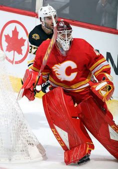 Photo galleries featuring the best action shots from NHL game action. Ice Hockey Teams, Hockey Goalie, Goalie Pads, Mike Smith, First Period, Nhl Games, Blink 182, National Hockey League, Boston Bruins