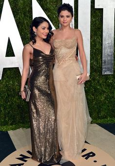 Stars + Elevations: The Small and Big Vanessa Hudgens is 1.55 meters, her good friend Selena Gomez she surmounted by 10 centimeters.