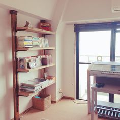 My Shelf/本棚/DIY/ディアウォールのインテリア実例 - 2017-10-02 05:52:18 | RoomClip (ルームクリップ) Bookcase, Shelves, Interior, Room, Home Decor, Shelving, Indoor, Bedroom, Homemade Home Decor