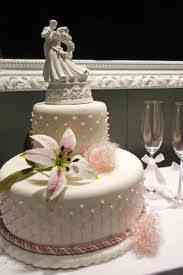 Beautiful Wedding Cakes! Check Out My Wedding Blog Below For Cool Ideas!