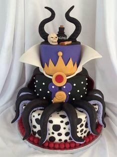 disney villains This is such a fun cake! Michelle Redman made this terrific Disney Villains Mashup Cake for the Cuties Disney Villain/Halloween Collaboration - An international sugar c Disney Desserts, Disney Recipes, Disney Themed Cakes, Disney Cakes, Crazy Cakes, Beautiful Cakes, Amazing Cakes, Descendants Cake, Villains Party