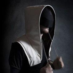 Artefact's+Shadow+hoodie+immerses+wearers+in+virtual+reality