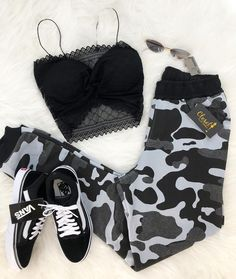 Pin by Svenja❤️❤️ on Outfit in 2019 Girls Fashion Clothes, Teen Fashion Outfits, Edgy Outfits, Swag Outfits, Mode Outfits, Retro Outfits, Outfits For Teens, Dance Outfits, Simple Outfits