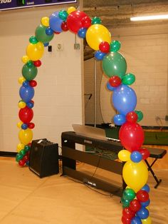 Link a loons. The Micky mouse clubhouse Balloon Columns, Balloon Arch, Balloon Garland, Balloon Decorations, Birthday Party Decorations, Party Themes, Balloon Ideas, Baby Shower Balloons, Birthday Balloons