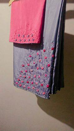 New Embroidery Patterns Girl Fabrics 54 Ideas Saree Embroidery Design, Hand Embroidery Dress, Embroidery Neck Designs, Embroidery Patterns, Kerala Saree Blouse Designs, Saree Blouse Neck Designs, Fancy Blouse Designs, Neckline Designs, Saree Designs Party Wear