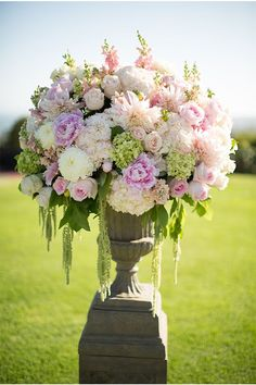 Love these flowers. Peonies, hydrangea and roses are my favorites. Also love the green hanging down