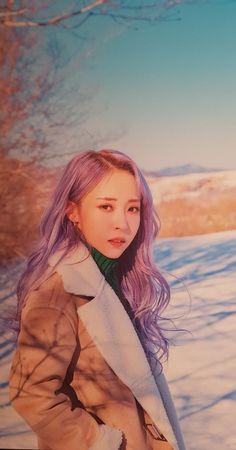 Mamamoo Moonbyul, Print Wallpaper, Purple Hair, K Idols, Kpop Groups, Cool Kids, Kpop Girls, Asian Girl, My Girl