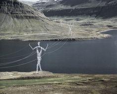 Des Pylônes électriques revisités en superbes sculptures de 45m de haut