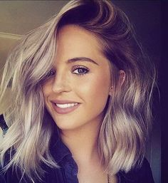 27 Long Bob Haircuts for Thick Hair To Get Inspired 2019 27 Long Bob Haircuts for Thick Hair To Get Inspired 201927 Long Bob Haircuts for Thick Ha. - 27 Long Bob Haircuts for Thick Hair To Get Inspi Super Short Hair, Short Hair Cuts, Super Hair, Pixie Cuts, Medium Hair Styles, Short Hair Styles, Pixie Styles, Langer Bob, Long Bob Haircuts