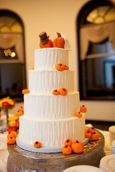 64 Awesome Fall Wedding Cakes | Weddingomania - I like the bride and groom pumpkins on top.  Could also do this with apples or white pumpkins.
