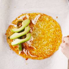 "Keto Quesadillas - VideosWhat makes this recipe so genius? The [cheese] tortilla! To make sure you don't have any issues removing the ""tortilla"" from the tray, let it cool for 1 to 2 minutes. When it's slightly cool, it's much easier to separate it Ketogenic Recipes, Low Carb Recipes, Diet Recipes, Cooking Recipes, Healthy Recipes, Keto Diet Meals, Quick Keto Meals, Ketogenic Diet Breakfast, Healthy Breakfast For Weight Loss"