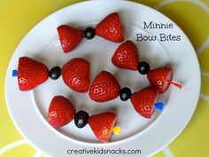Minnie Mouse party food - minnie mouse bow bites fruit skewers
