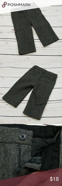 """Janie and Jack wool pants Like new Janie and Jack dark gray wool dress pants. 6-12 months. Purchased as a boys pant, but could be worn by a girl too. 14.5"""" outseam, 8.5"""" inseam. 50% wool and 50% polyester with a 100% polyester lining. Janie and Jack Bottoms Formal"""